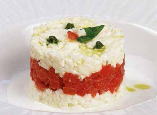 Bianco, rosso e verde: questa è una ricetta di Rosanna Marziale, chef del ristorante Le colonne di Caserta e preziosa testimonial della Mozzarella di Bufala Campana DOP.