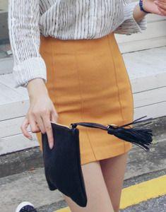 Today's Hot Pick :ベーシック切替タイトミニスカート【BAGAZIMURI】 http://fashionstylep.com/SFSELFAA0023813/bagazimurijp/out ベーシック切替タイトミニスカート。 シンプルなミニ丈のタイトスカートです。 どんなトップスとも合わせやすく着まわし力抜群◎ スパン配合のストレッチ素材がスリムにフィット! 女性らしいグラマラスなシルエットを演出します。 シャツやブラウスはもちろんニットやスウェットとも好相性◎ ◆3色:マスタード/カーキ/ブラック
