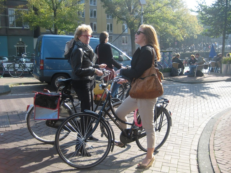 Spring cycle, what could be a more typical Amsterdam meeting than this?