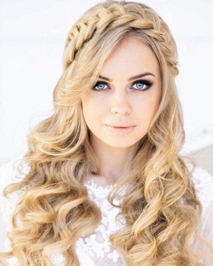 coiffure mariage boheme, cheveux blonds et bouclés