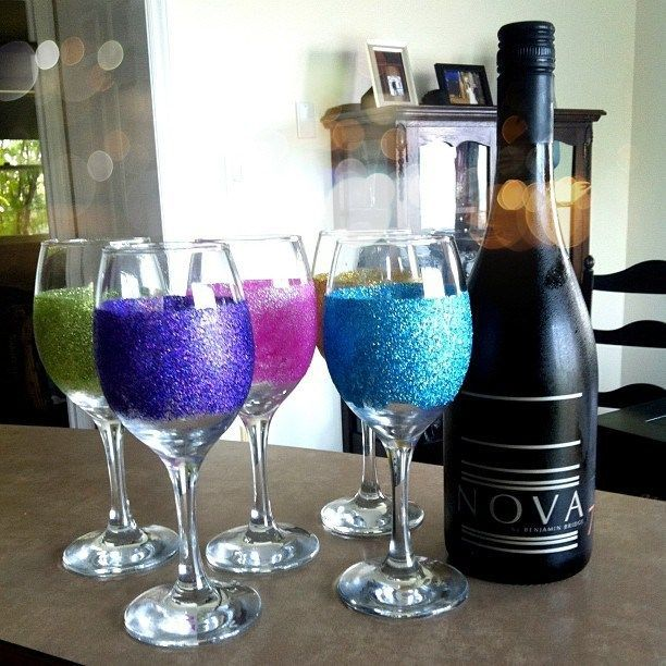 16 useful diy ideas how to decorate wine glass for Wine decor for kitchen cheap