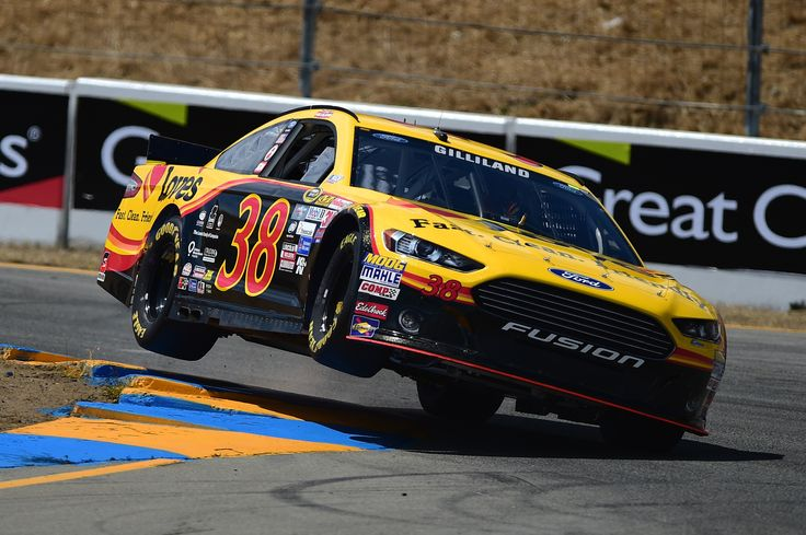 Here's the NASCAR TV schedule for this weekend at Sonoma Raceway and Iowa Speedway https://racingnews.co/2017/06/19/2017-nascar-sonoma-schedule/  #nascar