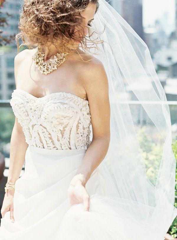 Junko Yoshioka wedding dress.