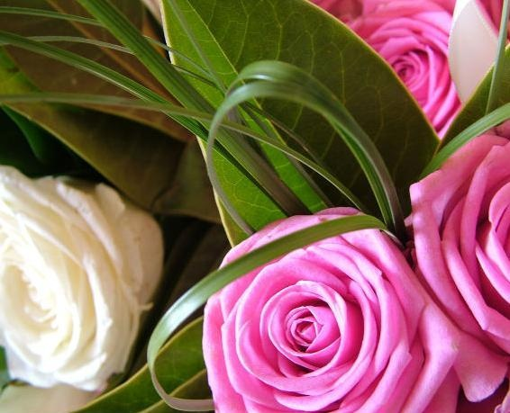 Birthday: use a number of flower that coincides with the number of years celebrated by the birthday.
