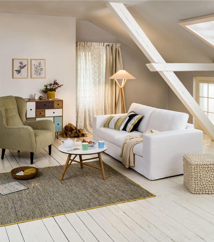 Micasa wohnzimmer mit sofa vogt und salontisch dahli for Salontisch modern