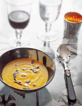 Soupe de courge, graines de courge grillées, huile vierge de courge pour 6 personnes - Recettes Elle à Table