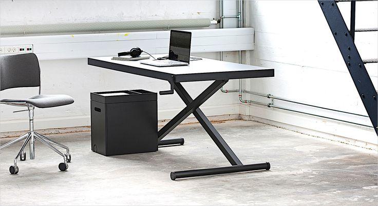 Homlris X-Table. Working desk. Skrivebord. Arbejdsbord. Hæve/sænkebord.