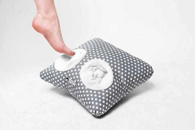 Sitzkissen & Bodenkissen - Pantoffelkissen graue Tupfen - ein Designerstück von FilouFashion bei DaWanda