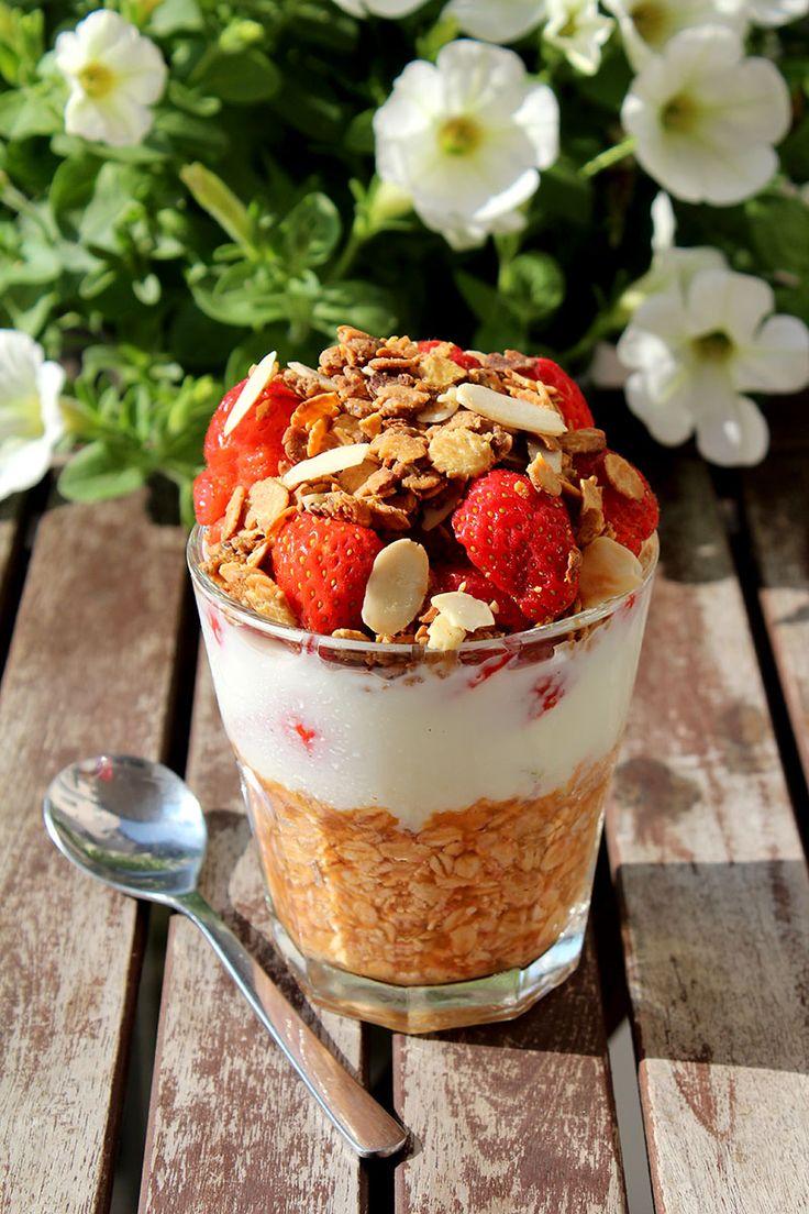 Rezept Overnight Oats mit Blutorange, Buttermilch, Erdbeer und Granola