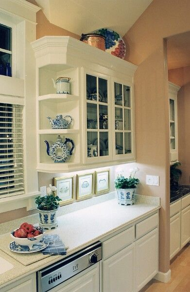 1000 ideas about very small kitchen design on pinterest small kitchen designs small kitchens. Black Bedroom Furniture Sets. Home Design Ideas