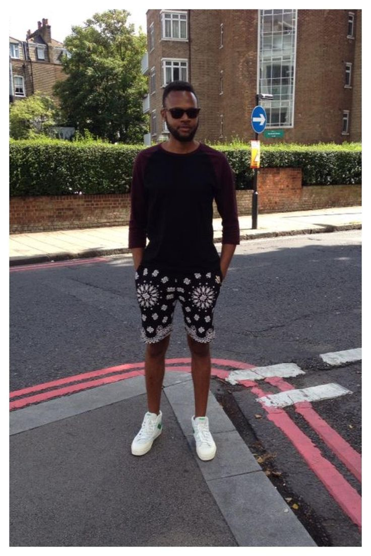 #ootd Baseball top + 90's Cali style printed shorts with oldskool PONY'S. http://asos.to/1pHDzfy #menswear #streetstyle #pony #trainers #asos_kieron