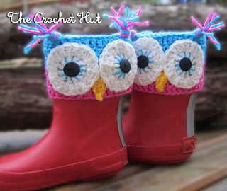 These are cute boot cuffs which sit over the top of the boot.