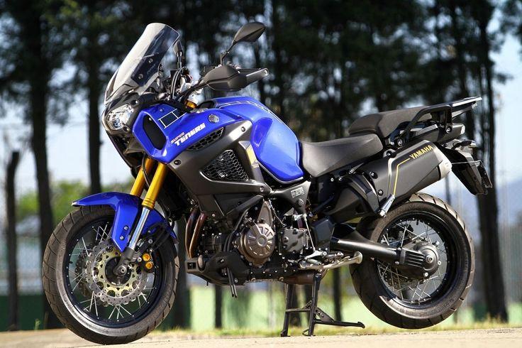 Top10 - Motos nacionalizadas Yamaha XT 1200Z Super Ténéré Antes importada, a bigtrail máxima da Yamaha se mudou para o Brasil de mala e cuia no ano passado. Produzida na planta da marca japonesa em Manaus (AM), a Super Ténéré está disponível em duas versões, sendo a mais em conta com o preço de R$ 55.990. Equipada com motor bicilíndrico paralelo de 1.199 cm³, a moto traz sistema de frenagem combinada (UBS) que atua em conjunto com o ABS.
