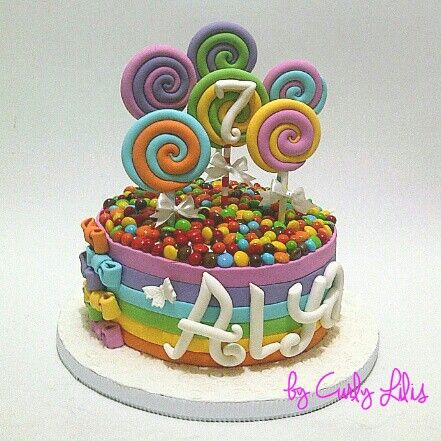 B'day cakes for alya...candy..candy..candy... :)