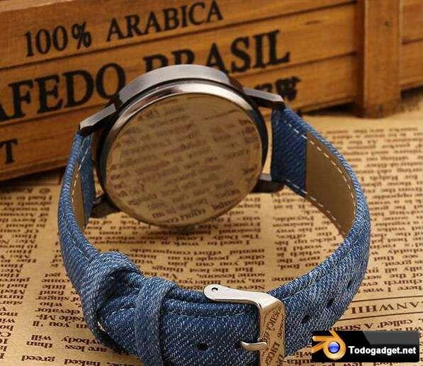 Sección de anuncios de compraventa online entre particulares y empresas de relojes de pulsera 7.5 € Nuevo