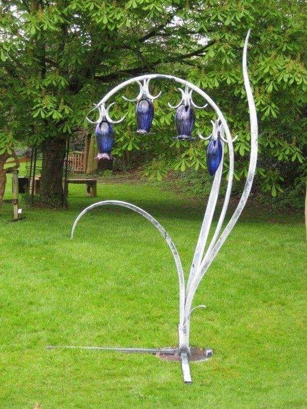 50 Amazing Garden Art Ideas 29 Hof Kunst Minibiotop Schrottplatzkunst