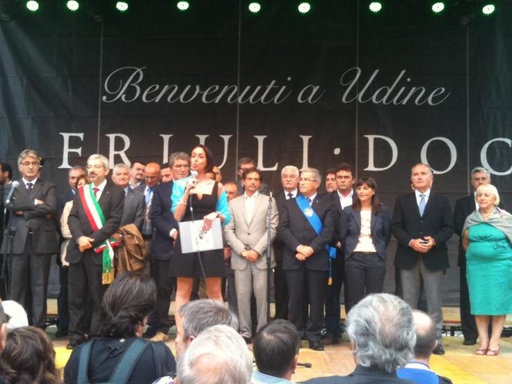 A Udine per l'inaugurazione di Friuli Doc la manifestazione che per quattro giorni animerà la città con gli stand enogastronomici dove poter gustare i mille sapori della nostra regione - Udine, 13 settembre 2012