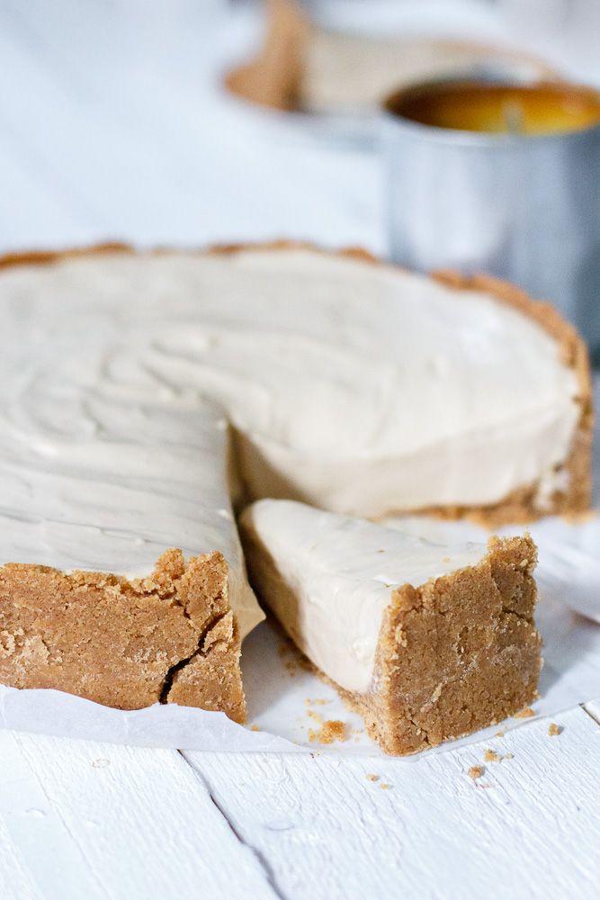 Alweer een tijdje geleden maakte ik een karamel cheesecake waar iedereen (zowel online als offline) zwaar fan van was. Ik durf die variantmet dit recept voor een no-bake dulce de leche cheesecake te overtreffen. Of minstens te evenaren. Stoereuitspraken! De cheesecake is gemaakt met dulce de leche. Als je goed naar mij geluisterd hebt in …