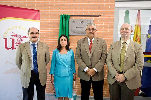 http://www.flickr.com/photos/universidaddesevilla/10169059245/in/set-72157636352708634/ para ver toda la galería Inauguración CRAI Antonio de Ulloa 01