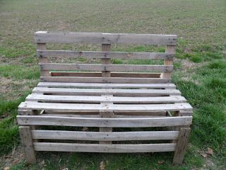 Riciclare : Costruire sedie e panchine da giardino con i pallet