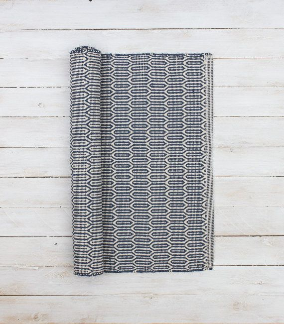 Scandinavian patterned grey floor runner by Skandihome on Etsy