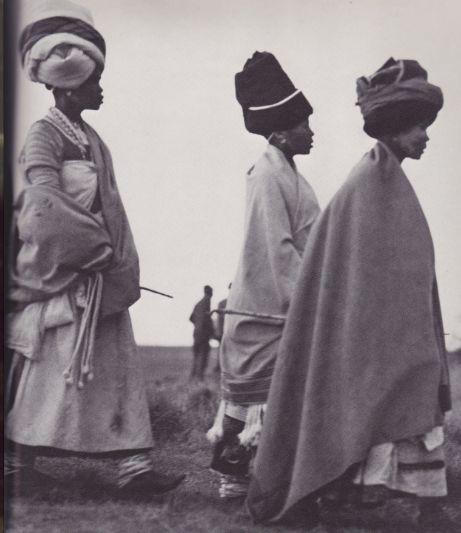 African Elegance - by Alice Mertens & Joan Broster