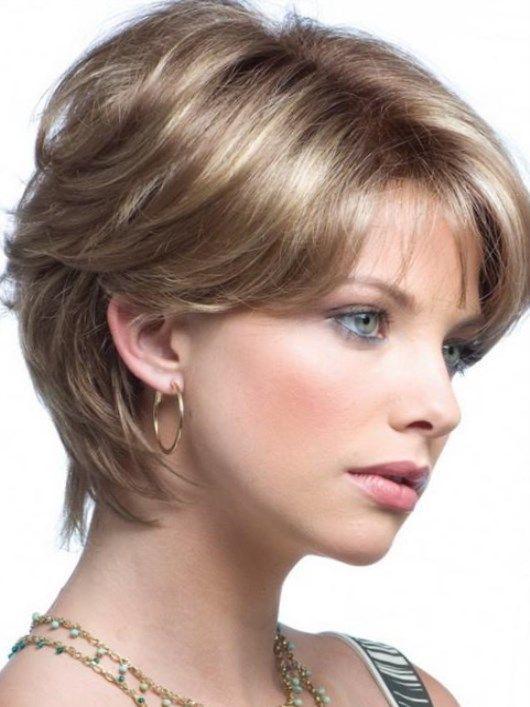 Стрижки короткие для тонких волос и вытянутого лица