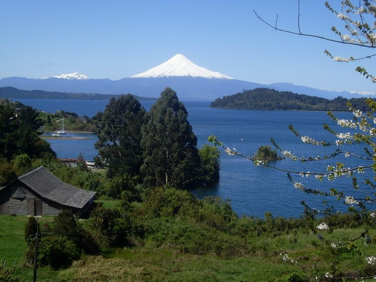 I'd like to visit Puerto octay in the osorno region because it is a beautiful place to look for solightseeing and discover new plcaes in the south of Chile , also i want to live there or near :'). #cuartomedioa