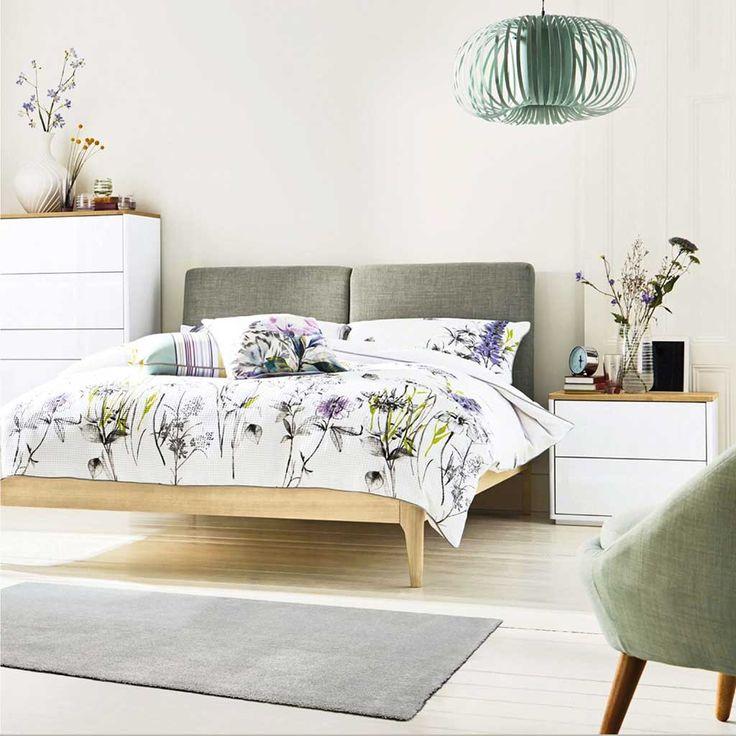 Tappeto tinta unita Balta Nuvola di Kobel disponibile in diversi colori. Vieni a scoprire tutta la vasta gamma di tappeti per la casa in vendita su www.inoutstore.com