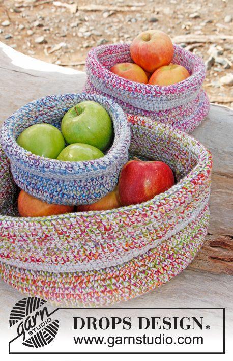 "Free pattern: Crochet DROPS basket in 2 strands ""Fabel"" and 1 strand ""Bomull-Lin"" or ""Paris"". ~ #DROPSDesign #Garnstudio"
