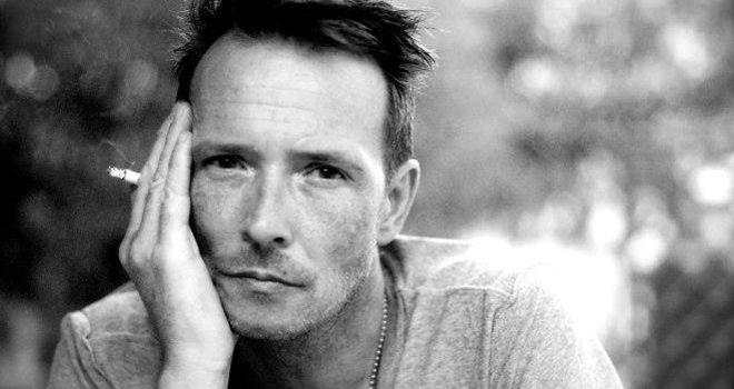 RIP Scott Weiland from Stone Temple Pilots & Velvet Revolver - http://movietvtechgeeks.com/rip-scott-weiland-from-stone-temple-pilots-velvet-revolver/-Often troubled musician Scott Weiland, more popularly known as the former frontman for the Stone Temple Pilots and Velvet Revolver, has died. He was 48.