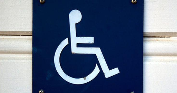 Especificaciones de diseño de una rampa para discapacitados. La Ley sobre Estadounidenses con Discapacidades (ADA, Americans with Disabilities Act) establece la igualdad de acceso a los edificios y las instalaciones para las personas con discapacidad. Según la ADA, todos los edificios e instalaciones públicas deben ser adaptadas para personas minusválidas. Para los accesos, tanto públicos como ...