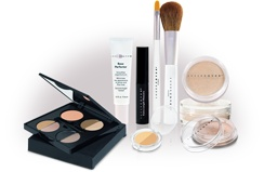 Mineral makeup from sheer cover - soft, flawless finish:)..love this..would be lost without it