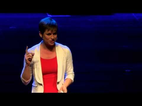 Mapping the human brain through online games | Amy Robinson | TEDxThessaloniki - YouTube