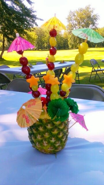 Pi as decoradas con frutas arreglos de mesa pinterest - Decoracion con pinas ...