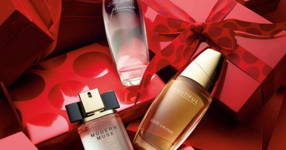 Score $30 off your Estee Lauder purchase, PLUS get a FREE gift and free shipping!