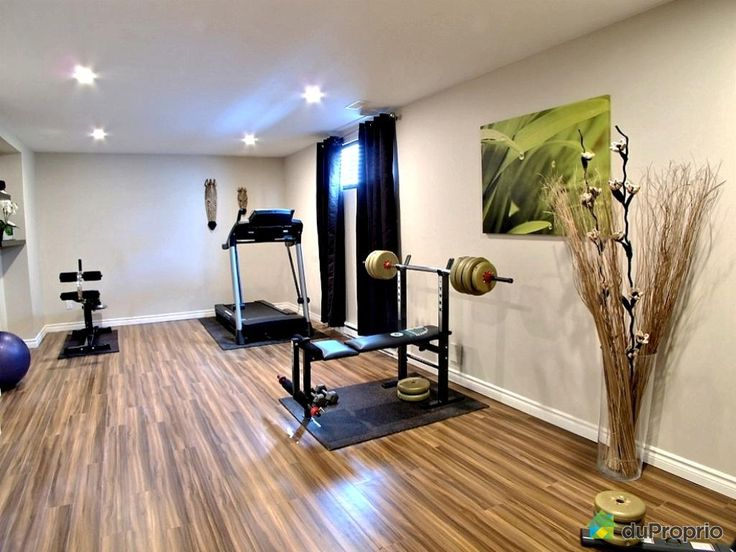 les 25 meilleures id es de la cat gorie salle de gym au sous sol sur pinterest salle de gym. Black Bedroom Furniture Sets. Home Design Ideas