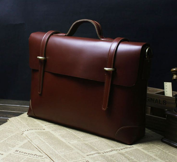 Business casual with brown leather briefcases. Achieve that gentleman style, flawlessly with this.