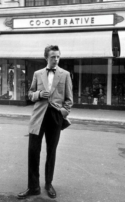 1950's men fashion.
