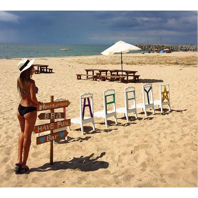 【maimai__smile】さんのInstagramをピンしています。 《おはー☀️今日も暑い✨今、#プール 行くのに向かってます🚃💨←毎日#水着 きてるw . #ハッピービーチ . りえっちが撮ってくれたこのpicお気に入り💖⛱📸 #ブラジリアンビキニ はお尻が半分出てるから短足の私でもちょっとは足長効果😂🙌 , #bikini#swimwear#beachgirl#surf#beachhouse#genic_mag#ビキニ#ブラジリアン#ブラジリアン水着#海#サーフ#海を感じる#海を感じるインテリア#ビーチ#室津#ビーチインテリア#ダブルティー#ベイフロー#ロンハーマン#海の家》