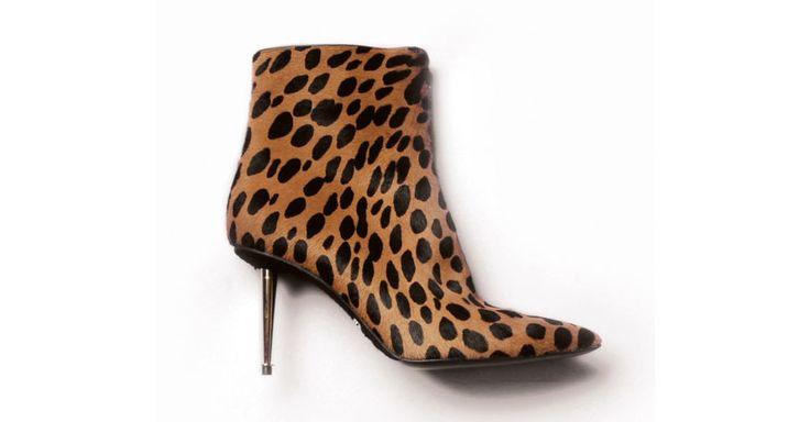 Bottines Tom Ford http://www.vogue.fr/mode/shopping/diaporama/les-30-chaussures-mode-de-la-saison-automne-hiver-2014-2015/20088/image/1044264#!tomford-les-30-chaussures-stars-de-l-039-automne-hiver-2014-2015