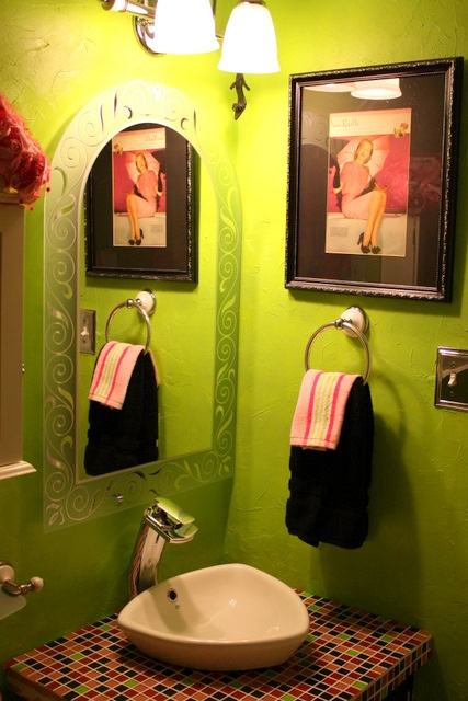 38 best green bathrooms images on pinterest bathroom for Green and black bathroom ideas