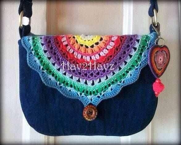 Bolsita. LOVE this Rainbow Purse and the Heart Keychain too!