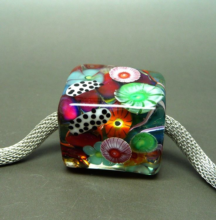 Bea Stoertz...This is maybe the most amazing bead I have ever seen.