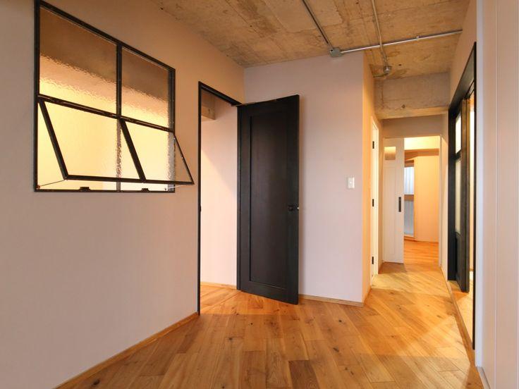 H&Iさんの子ども部屋の窓『リビング側から見た子ども部屋』(7721-11)