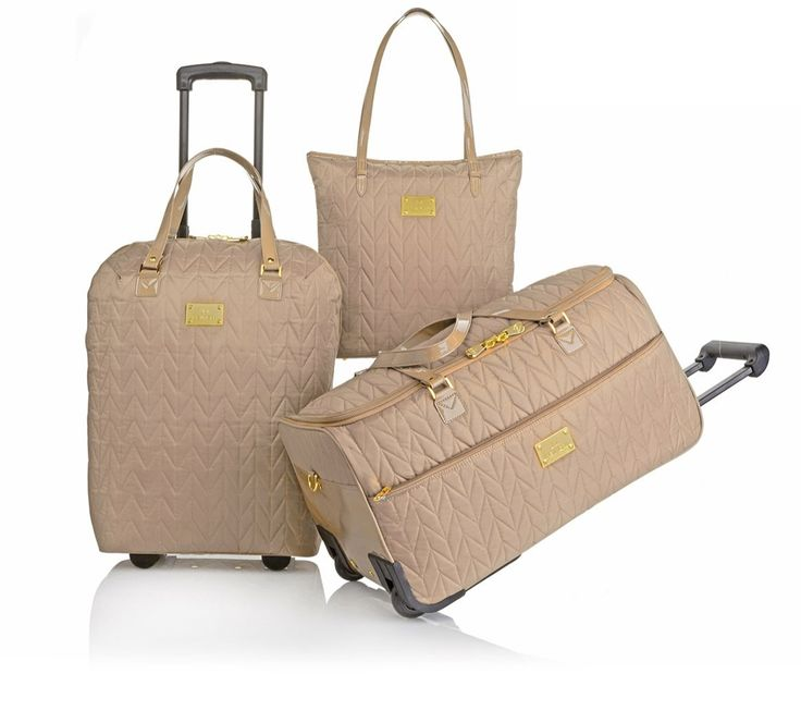 travel isnu0027t always easy but this chic luggage set helps you keep things