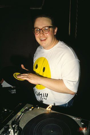 17 best images about mis historias on pinterest allen for Classic acid house mix 1988 to 1990