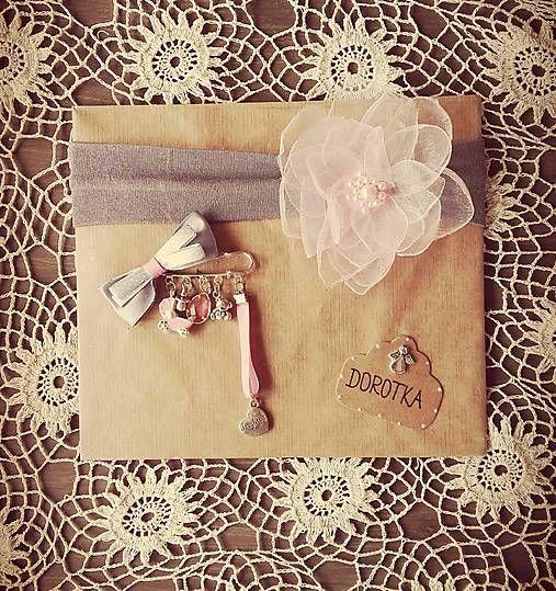 Set pre bábätko, brošňa a čelenka