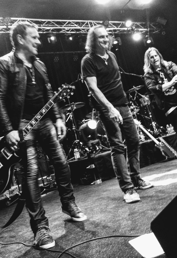 Dio tribute. Laconia NH 2017. Photo by Susan Blaisdell. Vivian Campbell. Vinny Appice.