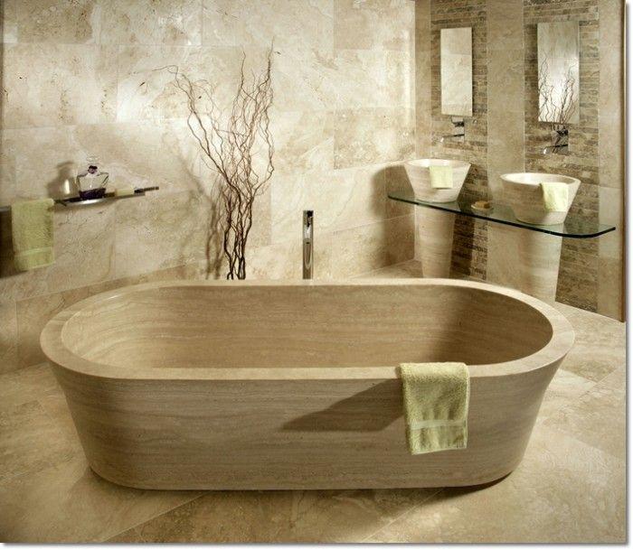 Bagno in pietra: lavandino e vasca in pietra di Rapolano